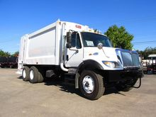 2007 INTERNATIONAL 7400 GARBAGE