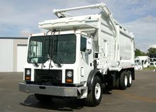 2005 MACK MR6 GARBAGE TRUCK