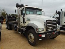 2013 MACK GRANITE GU713 GARBAGE