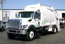 2011 INTERNATIONAL 7400 GARBAGE
