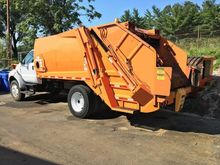 2005 FORD F750 GARBAGE TRUCK