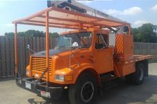 1997 INTERNATIONAL 4700 BUCKET