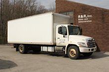 2011 HINO 268A BOX TRUCK - STRA