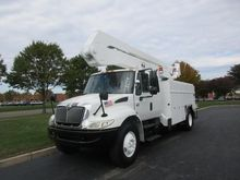 2004 INTERNATIONAL 4400 BUCKET