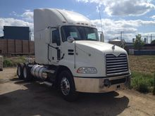 2012 MACK PINNACLE CXU613 CONVE