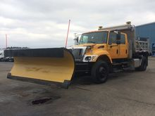 2005 INTERNATIONAL WORKSTAR 740