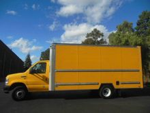 2011 FORD E-350 BOX TRUCK - STR