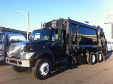 2005 INTERNATIONAL 7400 GARBAGE
