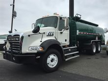 2010 MACK GRANITE GU813 FUEL TR