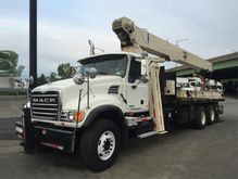 2006 MACK GRANITE CV713 BUCKET