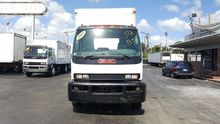 2005 GMC T7500 Box truck - stra