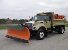 2006 INTERNATIONAL WORKSTAR 740