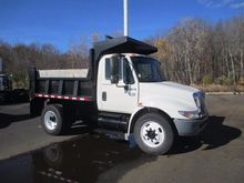 2006 INTERNATIONAL 4300 DUMP TR