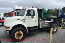 1998 INTERNATIONAL 4900 WRECKER