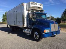 2005 KENWORTH T300 Refrigerated