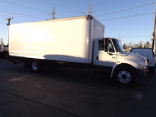 2007 INTERNATIONAL 4300 BOX TRU