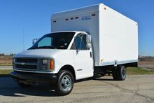 1998 CHEVROLET EXPRESS BOX TRUC