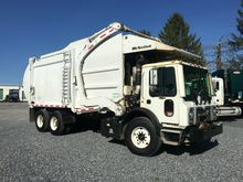 2013 MACK MRU613 GARBAGE TRUCK