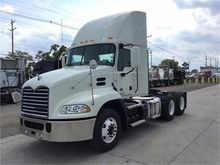 New 2017 MACK CXU613
