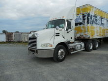 Used 2009 MACK PINNA