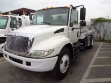 2009 INTERNATIONAL 4300 SEPTIC
