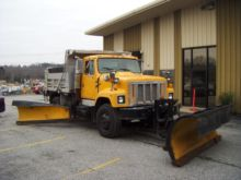 2000 INTERNATIONAL 2575 DUMP TR