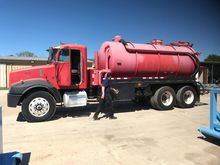 2001 PETERBILT 379 SEPTIC