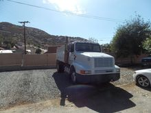 1995 INTERNATIONAL 8200 DUMP TR