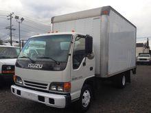 2004 ISUZU NPR Box truck - stra
