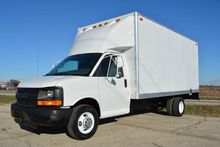 2004 CHEVROLET G3500 16FT BOX T