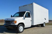 1998 FORD E-350 BOX TRUCK - STR