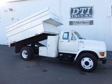 1995 FORD F800 CHIPPER TRUCK