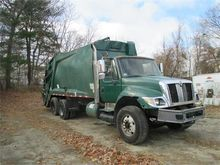 2006 INTERNATIONAL 7400 SBA GAR