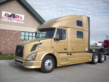 2011 VOLVO VNL62T780 Convention