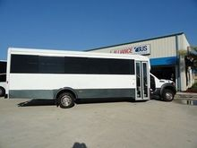 2013 GLAVAL ENTOURAGE BUS