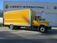 2013 INTERNATIONAL 4300 BOX TRU