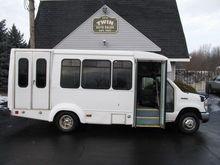 2011 FORD E450 BUS