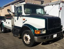 1998 INTERNATIONAL 4700 WRECKER