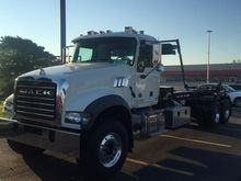 2016 MACK GRANITE GU713 GARBAGE