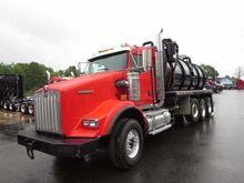 2012 KENWORTH T800 Vacuum truck
