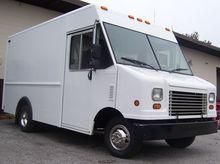 2008 FORD E350 Box truck - stra