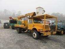 2000 IHC 4700 Bucket truck - bo