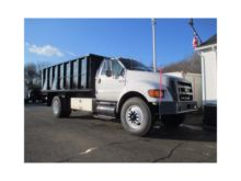 2004 FORD F750 CHIPPER TRUCK