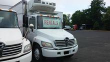 2006 HINO 338 Box truck - strai
