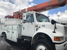 2000 INTERNATIONAL 4800 Bucket