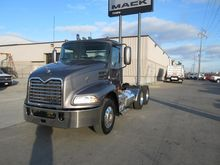 2008 MACK PINNACLE CHU613 CONVE