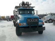 2004 MACK GRANITE CV713 Crane t