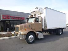 2001 PETERBILT 330 Refrigerated