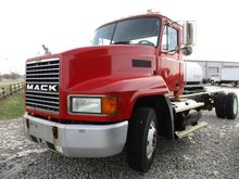 Used 2002 MACK CH612