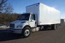 2016 Freightliner M2-106 Box tr